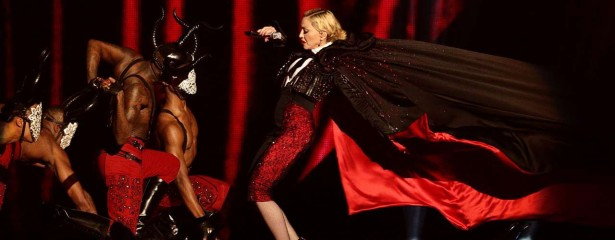 madonna-foto-caida-brit-awards