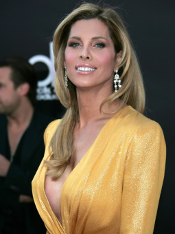 LOS ANGELES, CA - NOVEMBER 23:  Actress Candis Cayne arrives at the 2008 American Music Awards held at Nokia Theatre L.A. LIVE on November 23, 2008 in Los Angeles, California.  (Photo by David Livingston/Getty Images for AMA) *** Local Caption *** Candis Cayne